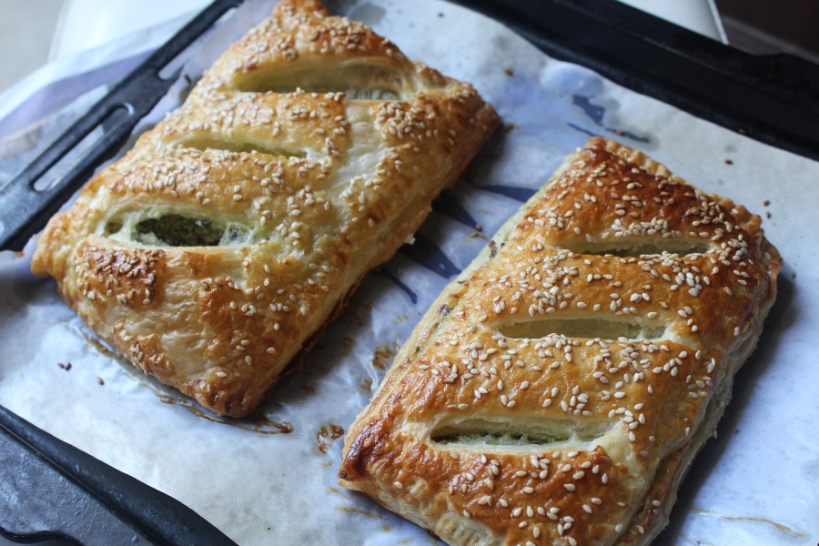 Ricotta and spinach puffs